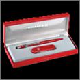 Купить подарочный набор Wenger. Нож и ручка красного цвета; низкая цена, Москва, доставка